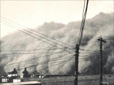 黒雲が空を覆い、赤い雪が降った日 ― いま再びアメリカに忍び寄る悪夢「ダストボウル」