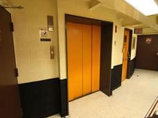 年間2万人超が閉じ込められる!? 事故多発の韓国エレベーターは欠陥部品だらけだった?