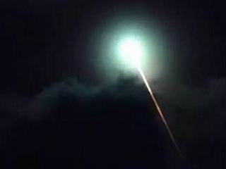 「隕石に化けたUFOで間違いない!!(研究家)」 ブエノスアイレス上空を飛行する緑色の光に世界が戦慄!
