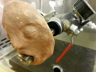 人類を救う「ゲロ吐きマシーン」を科学者が製作!! 量・濃度・圧力を完全にコントロール可能な驚愕装置の誕生理由とは!?=米