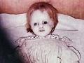 少女の命が宿る「世界一呪われた人形」が自ら失踪! 不気味な写真も…!