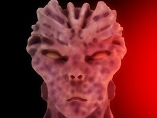 宇宙人から身を守るため、アルミホイルで家をグルグル巻きにした男!! これが本物の「プレッパーズ」だ!