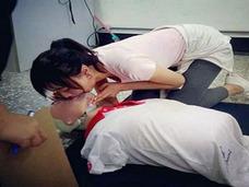 マウス・トゥ・マウスの人工呼吸にネット民悶絶! 台湾「美しすぎる幼稚園教諭」