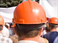 【テロ特集】なぜヘルメット? 安保闘争の場で使われた身分を隠すグッズ