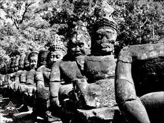 【オーパーツ世界探訪】12世紀に恐竜と暮らしていた「異次元の地」があった? 古寺院遺跡タ・プロームの謎!!