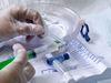 自らの腕を切開して血管に管…研究者自身の「人体実験」で築かれた医療技術