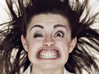 風圧顔面圧倒的崩壊写真群像11連発 — 時速180キロの中毒性