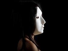 【閲覧注意】頬に穴が空いた売春婦「ころがし女」の都市伝説! サービスエリアで目撃多数!!