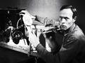 あまりに前衛的すぎた100年前の「手作りシンセサイザー」!! 旧ソ連、驚異の科学力!!
