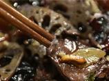 肛門から油が漏れ続けた男性、原因は? 中国の食品事情がヤバいアルヨ