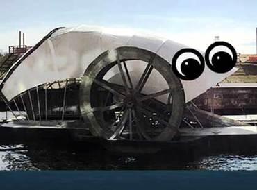 【海洋汚染】タバコ676万本、空のペットボトル20万本を吸い取った、ゆるカワ水車のMr. Trash Wheel君の活躍!