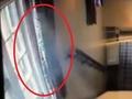 パブの監視カメラに写った、煙のような幽霊が大騒ぎに=イギリス