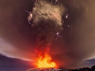 まるでこの世の終わり! エトナ山の噴火映像がヤバすぎる!