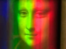 「モナ・リザ」の絵の下に隠されていたもう1人の女の顔 ― 微笑まない女の正体とは?
