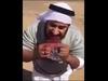 """【閲覧注意】オオカミを生で食いちぎるサウジアラビアの男たち ― 謎多き""""グロ陰謀""""動画"""