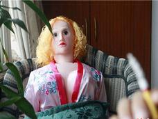 高齢化が進む中国の性生活に異変!? 70歳の孤独老人がラブドールと暮らすワケ