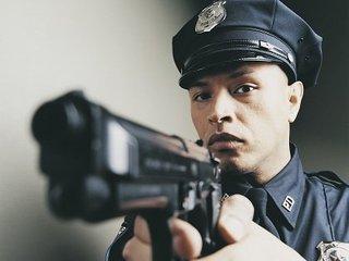 【恐怖、連続殺人鬼だった最凶の警察官5選! 斧で殺害する「ウエンズデー・キラー」など…