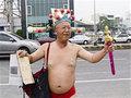 """台湾のマック赤坂か? 地方選で""""ヤバすぎる""""泡沫候補登場「俺は財神だ!」"""