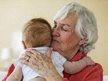 人間の女性だけが経験する閉経&更年期の謎! 人類に埋め込まれた「おばあちゃん仮説」とは?(遺伝子研究)