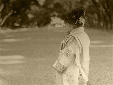 奇習! 未成熟な少女の肉体を弄ぶ鬼面男 ― 近畿地方に実在したレイプ儀式