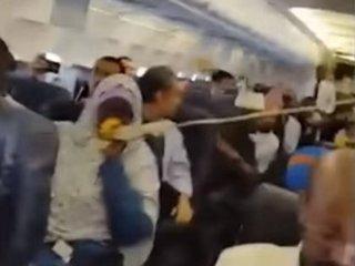 【衝撃動画】飛行機に巨大な穴が…! 乗客が撮影した「旅客機爆発テロ」の一部始終とティテル氏の予言とは?