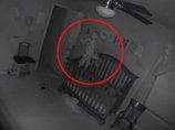 """【衝撃動画】まるで「エクソシスト」! """"悪魔に取り憑かれた""""赤ん坊のド肝を抜く身体能力"""