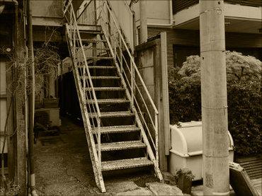 【都市伝説】東京・下北沢の「13階段アパート」を訪ねて