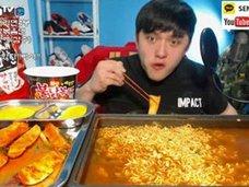 """韓国でラーメンの""""激辛度""""が異常値に! なぜ彼らは、救急車で運ばれても「激辛」を食べたいのか"""