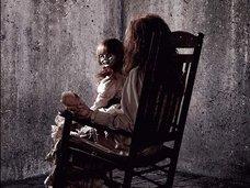 『死霊館』上映中に観客の男が急死→遺体が消える怪奇現象発生で大騒ぎに!=インド