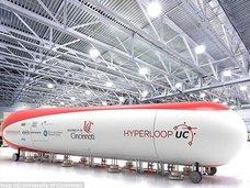 東京=名古屋間が18分、海中も爆速移動! 葉巻型UFOソックリの超高速交通システム「ハイパーループ構想」とは?