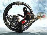 遂にタイヤの中に人類が入って操縦する時代が来た!? 次世代バイク「モノホイール」とは?
