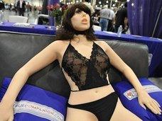 セックスロボットで処女・童貞喪失することの4つの問題点とは? 博士「人口削減には効果的」