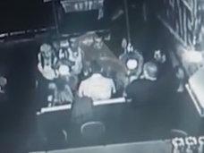 【閲覧注意】女だろうと容赦せずボコボコに…! プロのキックボクサーが喧嘩相手を殴り殺した瞬間=ロシア