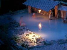 全焼した秋田温泉旅館、10年前に一家4人死亡していた! テレビが心霊写真を報じたことも!
