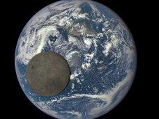 「月の裏側には宇宙人の基地があった」米空軍元職員が内部告発! NASAのヤバすぎる陰謀とは!?