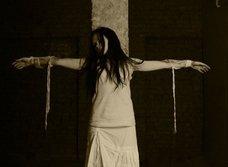奇習! 全裸で拘束されて晒される不貞の男女―おぞましき裸刑の実態
