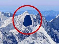 グーグルマップで黒く塗りつぶされ、隠されていた5つの場所とは? 世界的最高機密か!?