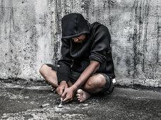 中毒者の顔面が崩壊・ゾンビ化。自家製合成麻薬「クロコダイル」は外見を短期間でここまで変える!