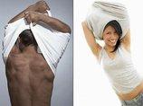 男女でTシャツの脱ぎ方が違う理由が遂に判明! 150万人が聞いて納得!