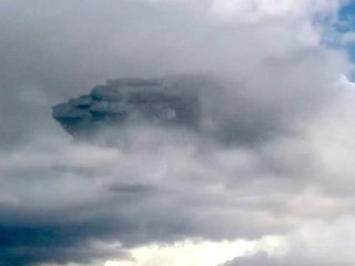 """【衝撃動画】""""雲隠れ""""する巨大UFOがペルー上空で激写される! 秘密実験の可能性も!?"""