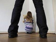 """【衝撃・小児性愛】5歳少女のお絵かき→""""迫り来る勃起ペニス""""が描かれている→神父によるレイプ事件発覚!"""