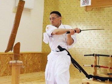 日本唯一の「現代に生きるサムライ」! 阿部一刀斎師範インタビュー「瞑想では、10分ほどで完全な無音に」