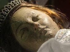 """【動画】300年前の""""美少女ミイラ""""が目を開く瞬間が怖すぎる! 父親に刺殺された恨みか?"""