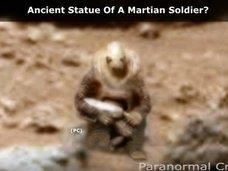 【衝撃画像】こちらを見つめる火星軍兵士が激写される! やはり過去に殲滅戦があったのか!?