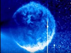 """太陽の近くで""""ウルトラストレートビーム""""をぶっ放す2機のUFOが激写される! NASAが公開直後に写真取り下げる""""疑惑の対応"""""""