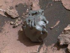 火星の「金属製たまご」にNASA研究者も興味津々!「メタリック地球外生命体」を遂に発見か!?