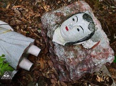 """謎の""""電波系宗教""""が残した独特すぎる廃墟がありえなさすぎる! 天狗之庭を捉えた10枚の写真!"""