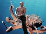 プーチンが巨大クラーケン(46-B)を南極で捕獲→兵器化へ! タコの戦闘スペック高すぎて、すでに調査員3人死亡
