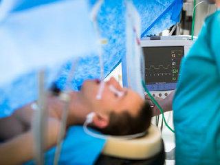 【脳死者が蘇る?「ラザロ徴候」は脊髄反射か生命反応か?識者でも意見が分かれる人間の「死」の解釈