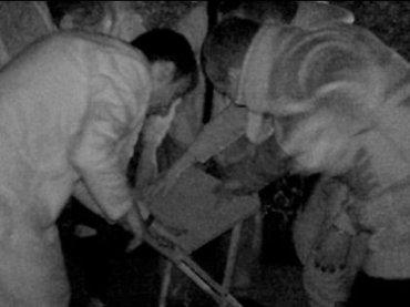"""【心霊動画】と畜場で殺害された少年の""""断末魔の叫び声""""を録音!? 殺した男の霊も激写される!"""